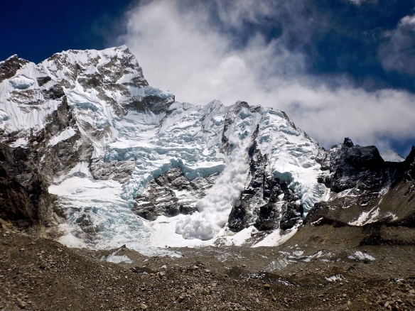 mykombiandi, everest avalanche